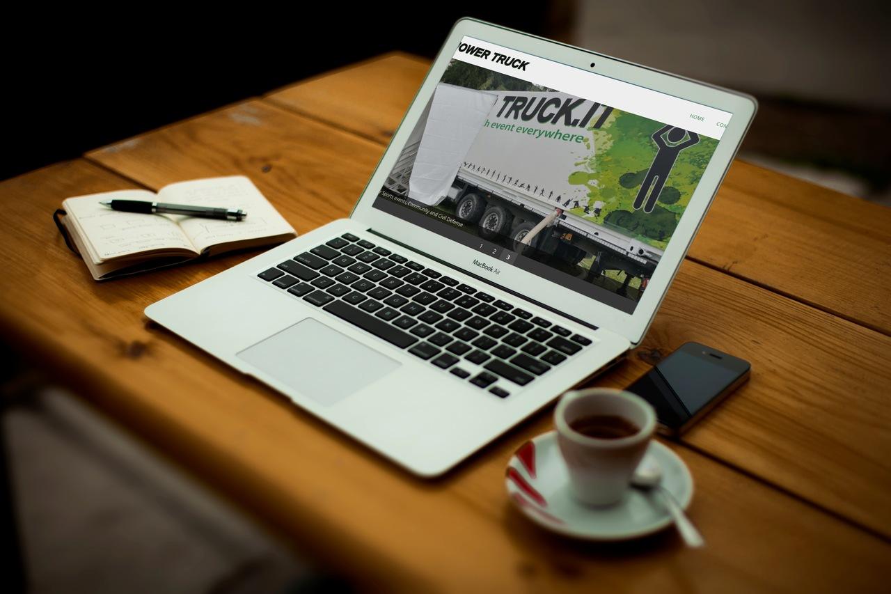Showertruck - Web Marketing e Visual Design Synectix